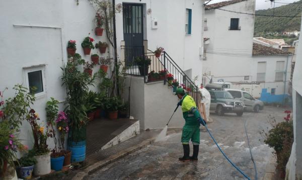 limpiando las calles